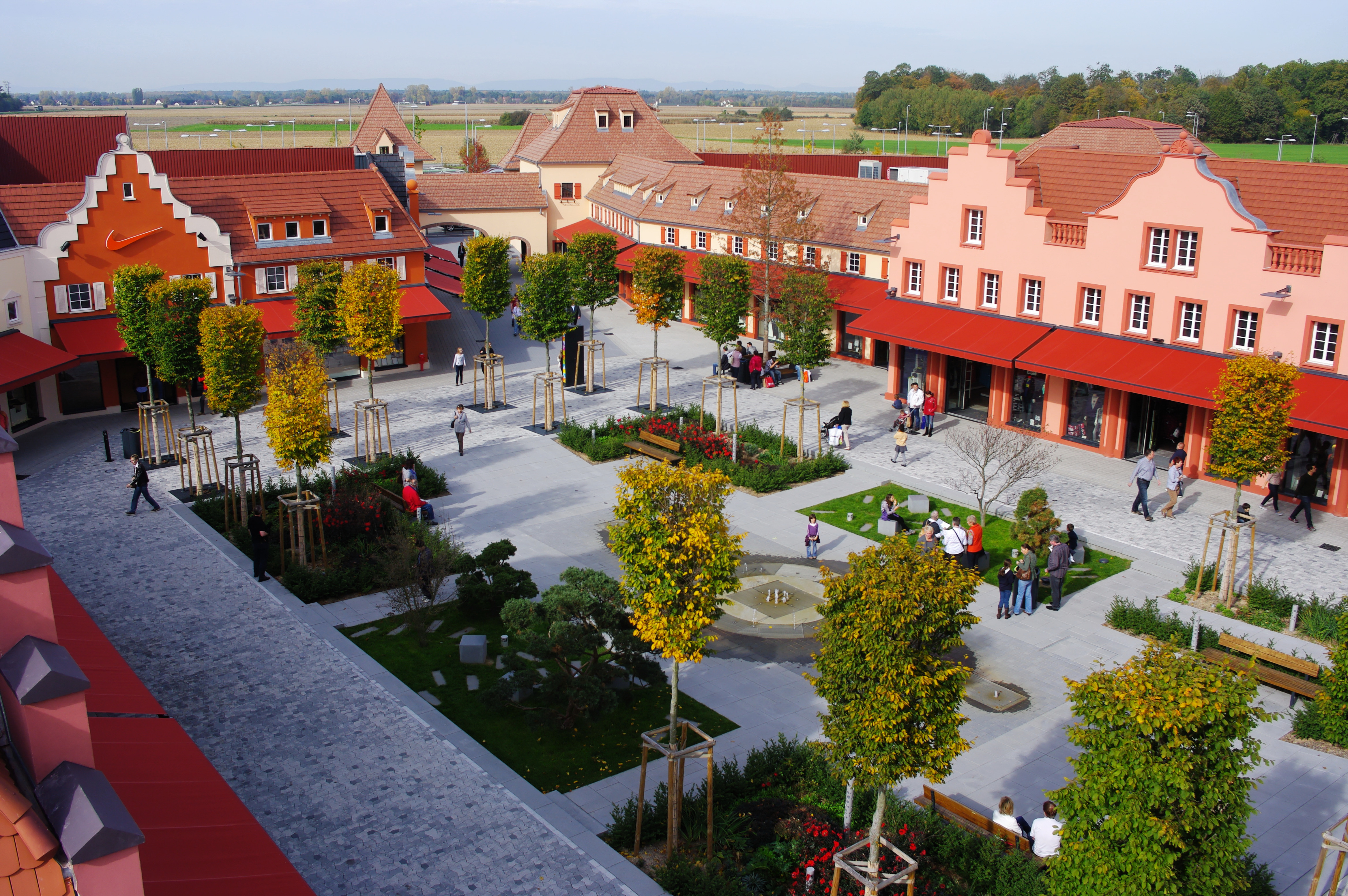 Village Car Service >> Roppenheim The Style Outlets celebrates its fifth anniversary with continuous growth in both ...