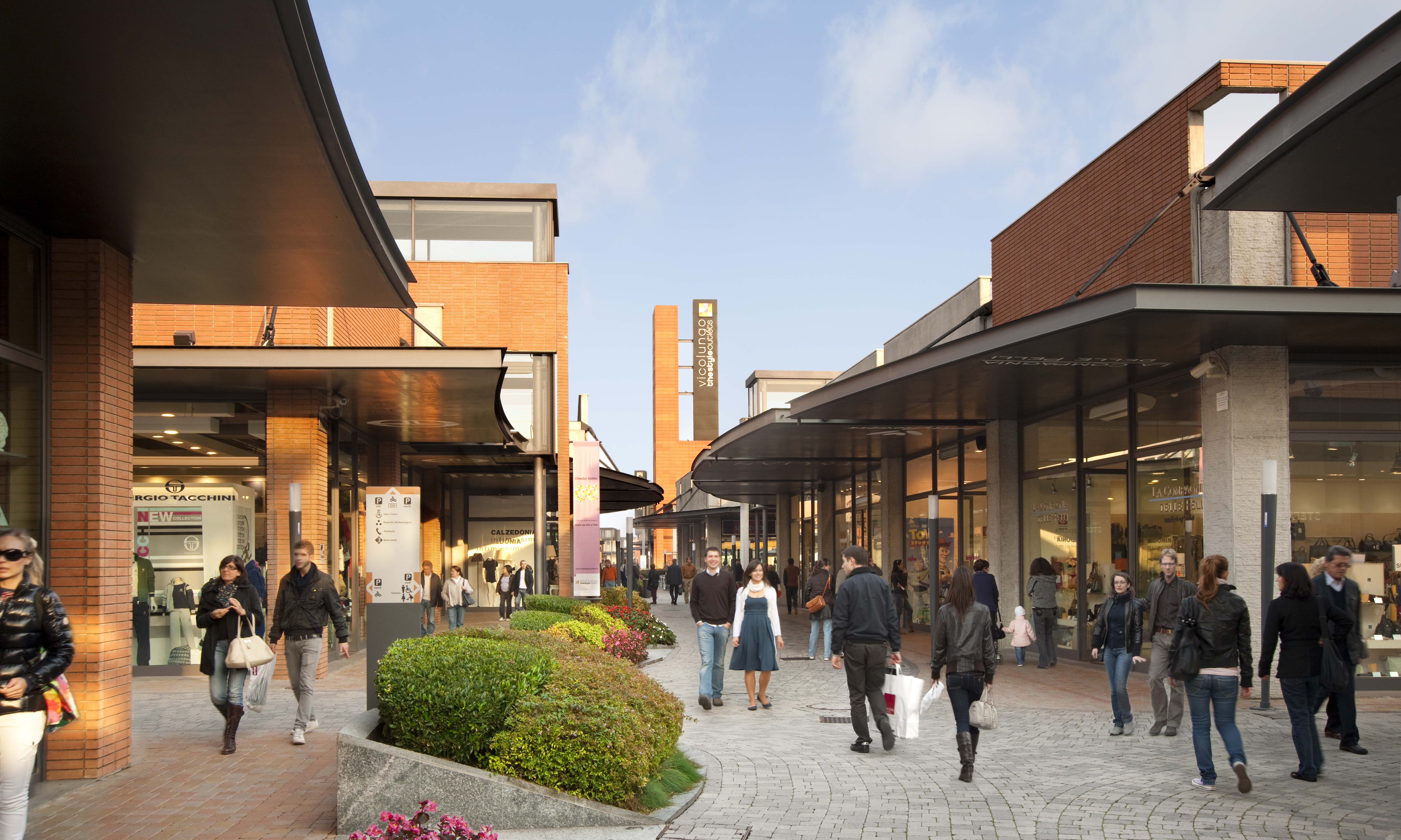 Vicolungo the style outlets neinver for Outlet village milano